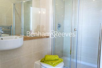2 bedroom(s) flat to rent in Aqua Vista Square, Canary Wharf, E3-image 4