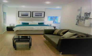 Studio flat to rent in Caspian Apartments, Salton Square, E14-image 1