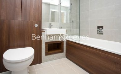 2 bedroom(s) flat to rent in Seven Sea Gardens, Canary Wharf, E3-image 5