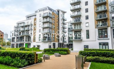 2 bedroom(s) flat to rent in Seven Sea Gardens, Canary Wharf, E3-image 6