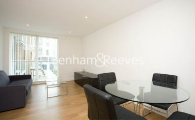 2 bedroom(s) flat to rent in Seven Sea Gardens, Canary Wharf, E3-image 7