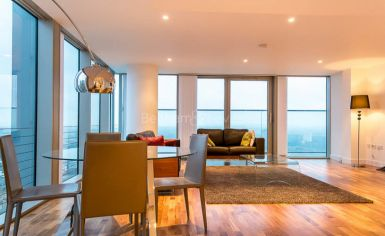 3 bedroom(s) flat to rent in Landmark East Tower, Canary Wharf, E14-image 3