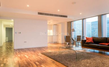 3 bedroom(s) flat to rent in Landmark East Tower, Canary Wharf, E14-image 4