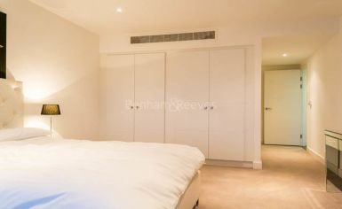 3 bedroom(s) flat to rent in Landmark East Tower, Canary Wharf, E14-image 6
