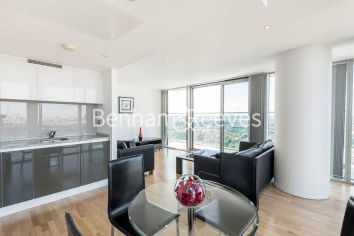 2 bedroom(s) flat to rent in Landmark East, Canary Wharf, E14-image 2