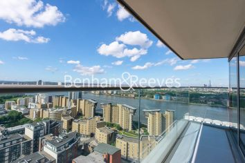 2 bedroom(s) flat to rent in Landmark East, Canary Wharf, E14-image 5