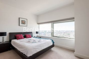 2 bedroom(s) flat to rent in Landmark East, Canary Wharf, E14-image 8