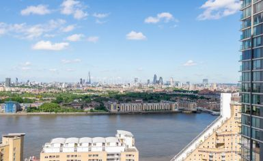 2 bedroom(s) flat to rent in Landmark East, Canary Wharf, E14-image 12