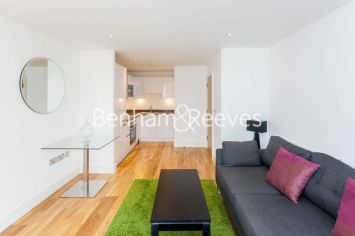 1 bedroom(s) flat to rent in Dowells Street, Canary Wharf, SE10-image 6