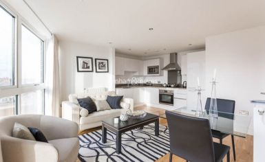 1 bedroom(s) flat to rent in Dowells Street, Canary Wharf, SE10-image 1