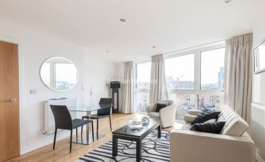 1 bedroom(s) flat to rent in Dowells Street, Canary Wharf, SE10-image 2