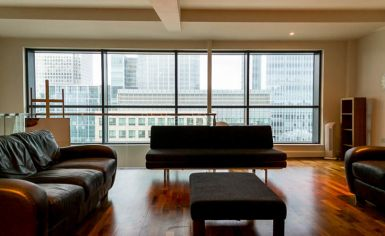 2 bedroom(s) flat to rent in Discovery Dock, Canary Wharf, E14-image 1