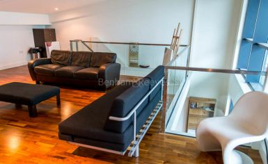 2 bedroom(s) flat to rent in Discovery Dock, Canary Wharf, E14-image 2