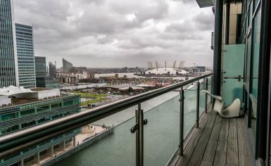 2 bedroom(s) flat to rent in Discovery Dock, Canary Wharf, E14-image 8