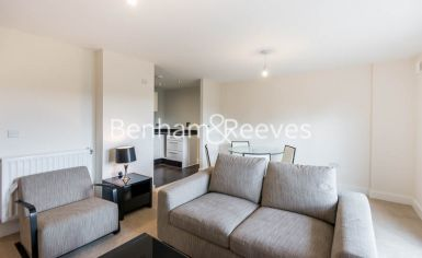 1 bedroom(s) flat to rent in Victoria Way, Fairthorn Road, SE7-image 1