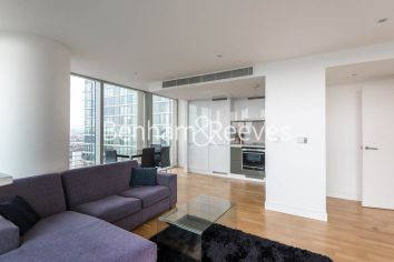 2 bedroom(s) flat to rent in Landmark East, Marsh Wall, E14-image 1
