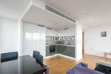 2 bedroom(s) flat to rent in Landmark East, Marsh Wall, E14-image 8