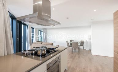 2 bedroom(s) flat to rent in Unex Tower, Stratford, E15-image 1