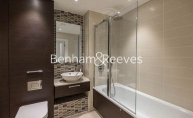 2 bedroom(s) flat to rent in Unex Tower, Stratford, E15-image 3