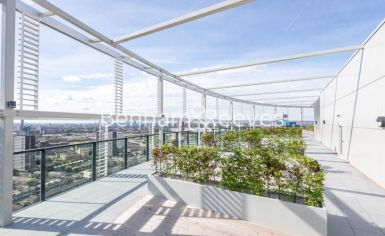 2 bedroom(s) flat to rent in Unex Tower, Stratford, E15-image 6