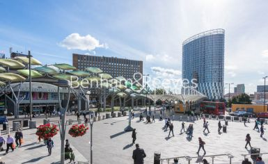 2 bedroom(s) flat to rent in Unex Tower, Stratford, E15-image 7