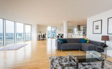 2 bedroom(s) flat to rent in Ability Place, Canary Wharf, E14-image 1