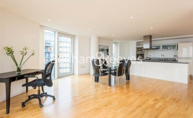 2 bedroom(s) flat to rent in Ability Place, Canary Wharf, E14-image 2