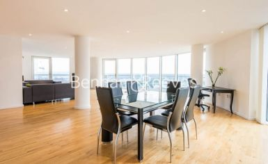 2 bedroom(s) flat to rent in Ability Place, Canary Wharf, E14-image 3