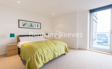 2 bedroom(s) flat to rent in Ability Place, Canary Wharf, E14-image 4
