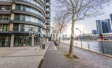 2 bedroom(s) flat to rent in Ability Place, Canary Wharf, E14-image 7
