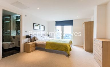 2 bedroom(s) flat to rent in Ability Place, Canary Wharf, E14-image 15