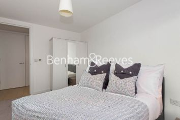 3 bedroom(s) flat to rent in Yabsley Street, Canary Wharf, E14-image 3