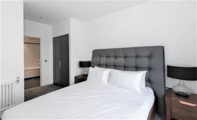 1 bedroom(s) flat to rent in Grantham House, Botanic Square, E14-image 4