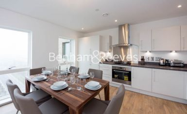2 bedroom(s) flat to rent in Royal Dockside, Canary Wharf, E16-image 2