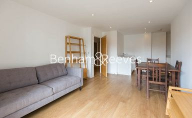 1 bedroom(s) flat to rent in Sargasso Court, Canary Wharf, E3-image 1