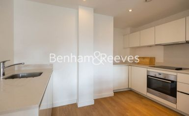 1 bedroom(s) flat to rent in Sargasso Court, Canary Wharf, E3-image 2