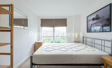 1 bedroom(s) flat to rent in Sargasso Court, Canary Wharf, E3-image 4