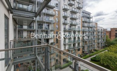 1 bedroom(s) flat to rent in Sargasso Court, Canary Wharf, E3-image 6