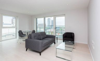 2 bedroom(s) flat to rent in Cassia Point, Glasshouse Gardens, E20-image 1