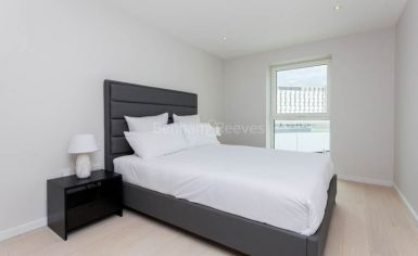 2 bedroom(s) flat to rent in Cassia Point, Glasshouse Gardens, E20-image 5