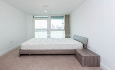 2 bedroom(s) flat to rent in Lariat Apartments, Cable Walk, SE10-image 2