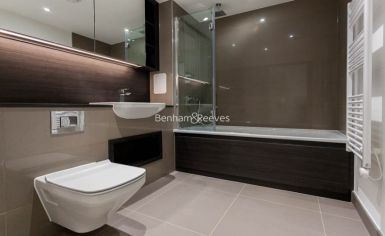2 bedroom(s) flat to rent in Lariat Apartments, Cable Walk, SE10-image 4
