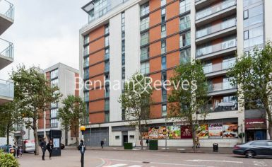 3 bedroom(s) flat to rent in Marmara Apartments, Canary Wharf, E16-image 6