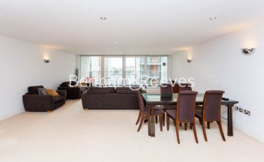3 bedroom(s) flat to rent in Marmara Apartments, Canary Wharf, E16-image 7