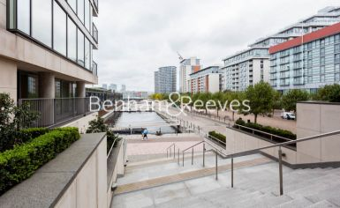 3 bedroom(s) flat to rent in Marmara Apartments, Canary Wharf, E16-image 10