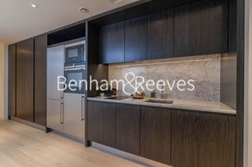Studio flat to rent in Charrington Tower, Providence Wharf, E14-image 2