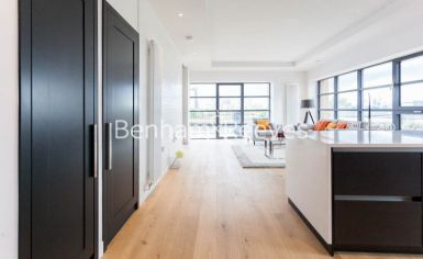 2 bedroom(s) flat to rent in Lyell Street, Canary Wharf, E14-image 6