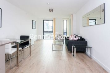 1 bedroom(s) flat to rent in Williamsburg Plaza, Poplar, E14-image 10