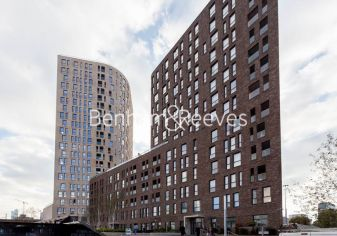 1 bedroom(s) flat to rent in Williamsburg Plaza, Poplar, E14-image 12