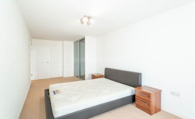 1 bedroom(s) flat to rent in Unex Tower, Station Street, E15-image 5